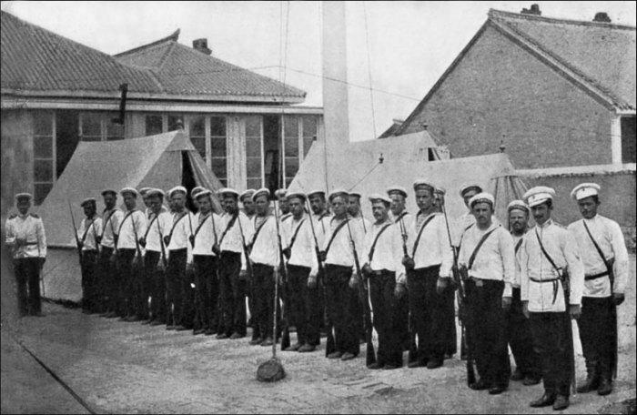 Десант русских моряков в Инкоу. | Фото: lib.rus.ec.